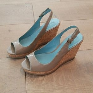 EUC Boden patent leather cork wedges size 39 (8)